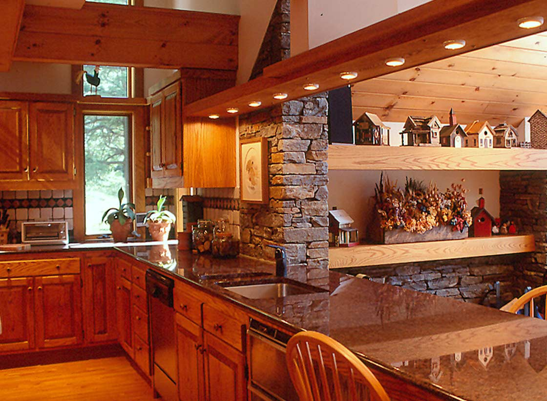 Lakeside Home - Kitchen