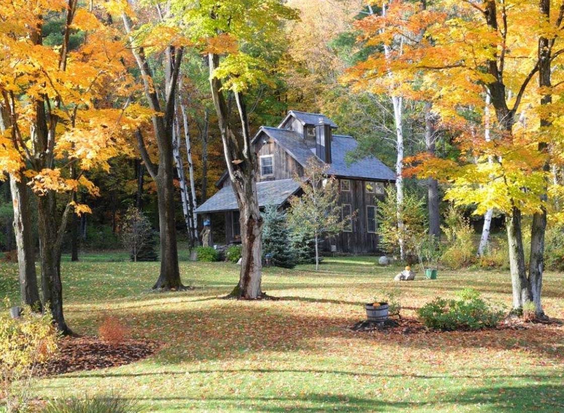 Sugar House Guest House in Fall